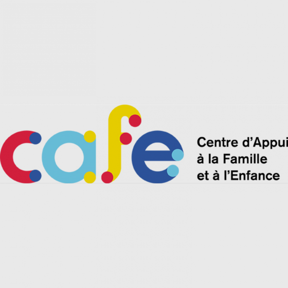 Parents and grandparents - Calendar of Activities in French at Cafe Ritionelle.