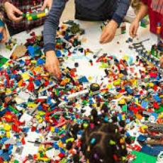 FREE!  Lego Play! At the Library!